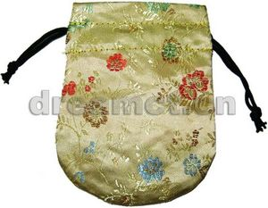 Brocade Pouch w/ Round Bottom Ivory